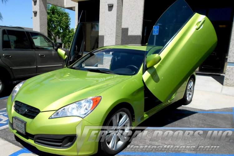 Vertical Doors Inc Genesis Coupe 2010-2016 VERTICAL LAMBO DOOR CONVERSION KIT - Click Image to Close