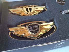 The Art of Speed Genesis Coupe Wing Emblem Set - Gold